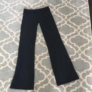 Lululemon Ruffled Black Bootcut Yoga Pants. Sz 6.